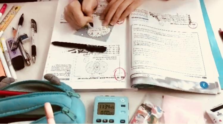 勉強している様子