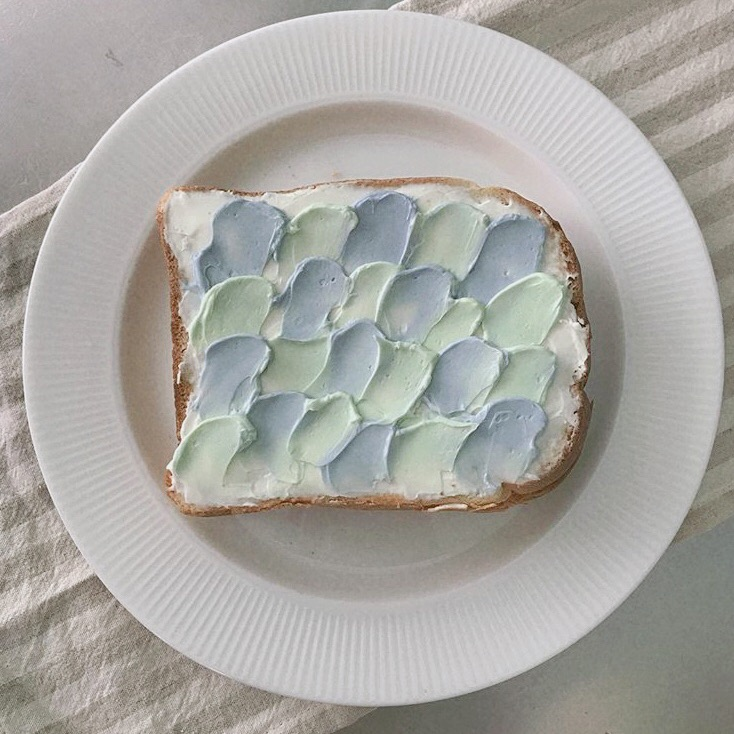 ブルーのウェーブトースト