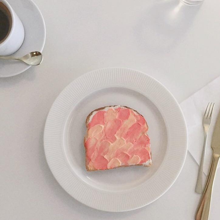 ピンクのウェーブトースト