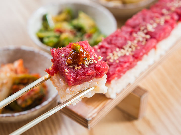 ユッケ寿司