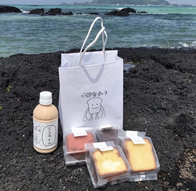 海とパウンドケーキとミルクティ