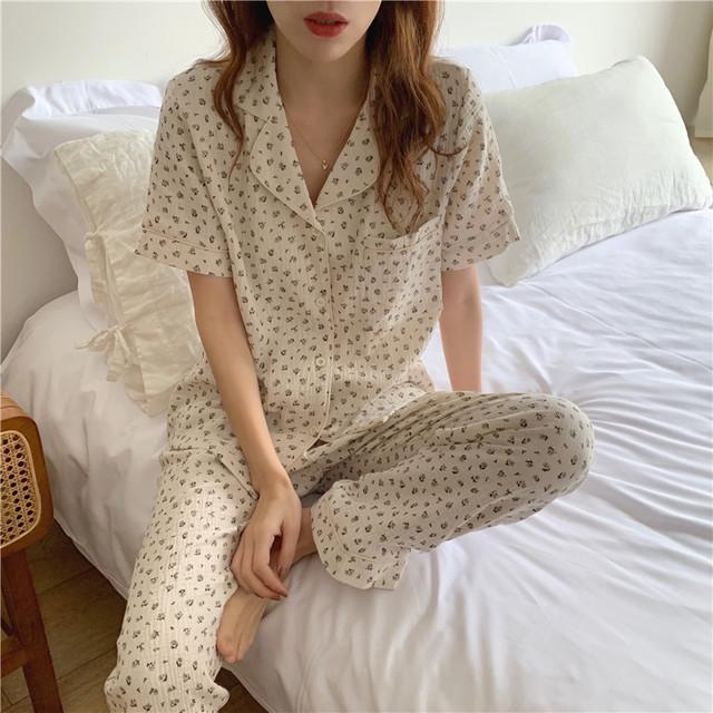 フラワーパジャマ